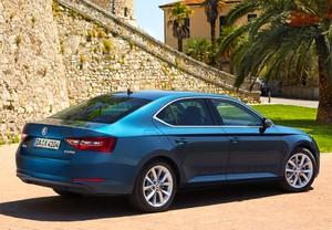 SKODA Superb 2.0TDI Active 110kW