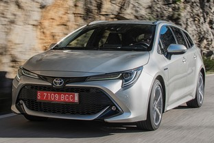 TOYOTA Corolla Touring Sports 125H Business Plus