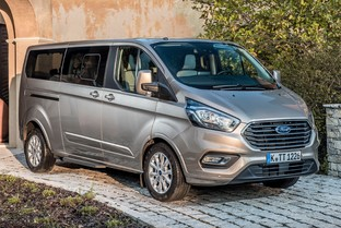 FORD Tourneo Custom Grand 2.0 EcoBlue Hybrid Trend 130