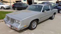 OLDSMOBILE Cutlass  Supreme Regency 5.7 V8