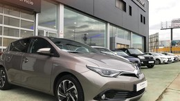 TOYOTA Auris hybrid 140H Feel!