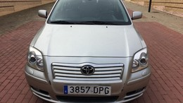 TOYOTA Avensis 2.2D-4D Executive