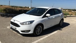 FORD Focus 1.5TDCi Black&Red Edition 120