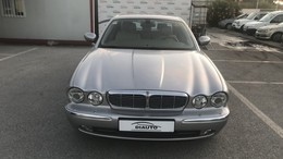 JAGUAR XJ XJ-8 4.2 V8 L Executive Aut.