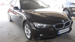 BMW Serie 3 318dA Essential Edition