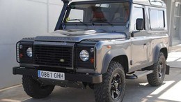 LAND-ROVER Defender 90 SW E