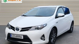 TOYOTA Auris hybrid 140H Advance