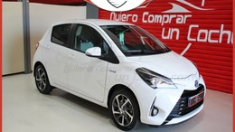 TOYOTA Yaris 100H 1.5 Feel!
