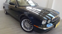 JAGUAR XJ XJ8 4.2 V8 Executive Aut.