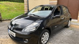 RENAULT Clio 1.2 Emotion eco2