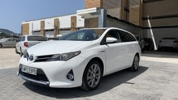 TOYOTA Auris Touring Sports hybrid Advance