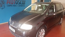 VOLKSWAGEN Touran 2.0TDI Advance