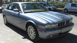 JAGUAR XJ XJ-8 4.2 V8 Executive Aut.