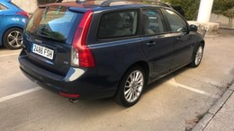 VOLVO V50 D5 Momentum Geartronic