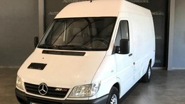 MERCEDES-BENZ Sprinter Industrial  Manual de 4 Puertas