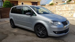 VOLKSWAGEN Touran 1.9TDI Advance Bluemotion