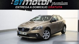 VOLVO V40 Cross Country D3 Momentum 150