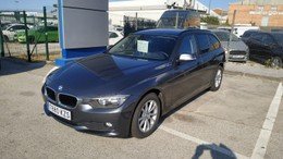 BMW Serie 3 318dA Touring Essential Edition