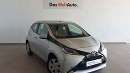 TOYOTA Aygo 1.0 VVT-i x-play Business