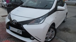 TOYOTA Aygo 1.0 VVT-i x-cite x-shift