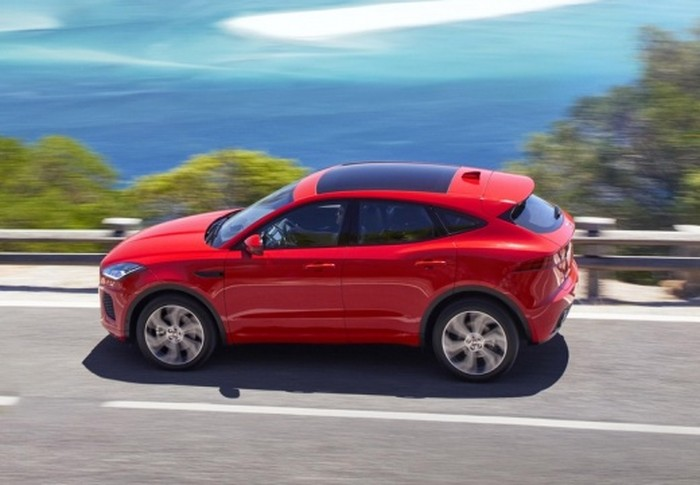E-Pace 2.0D I4 R-Dynamic Base AWD 150