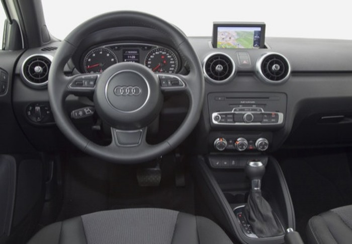 A1 1.2 TFSI Attraction