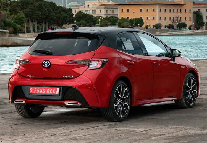 Corolla 125H Business