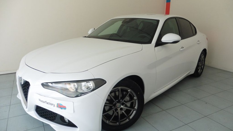 Alfa Romeo Giulia 2.2 Diesel 180cv Super AT