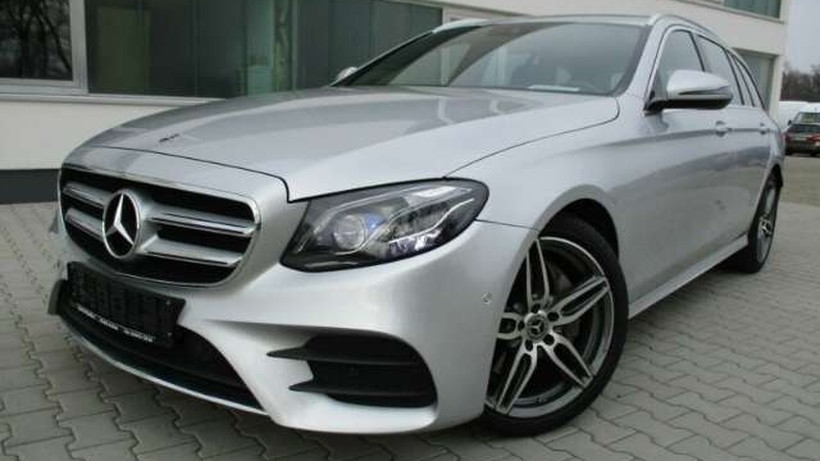 MERCEDES-BENZ Clase E E 220 d Estate AMG *360°/MULTIBEAM/COMAND*