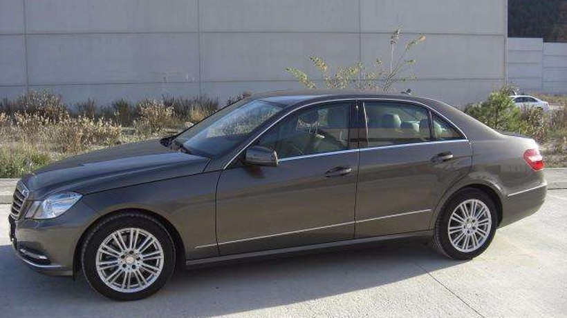 Mercedes-Benz E 350 CDI BE Elegance 7G Plus   75750 KMS  , REESTRENO
