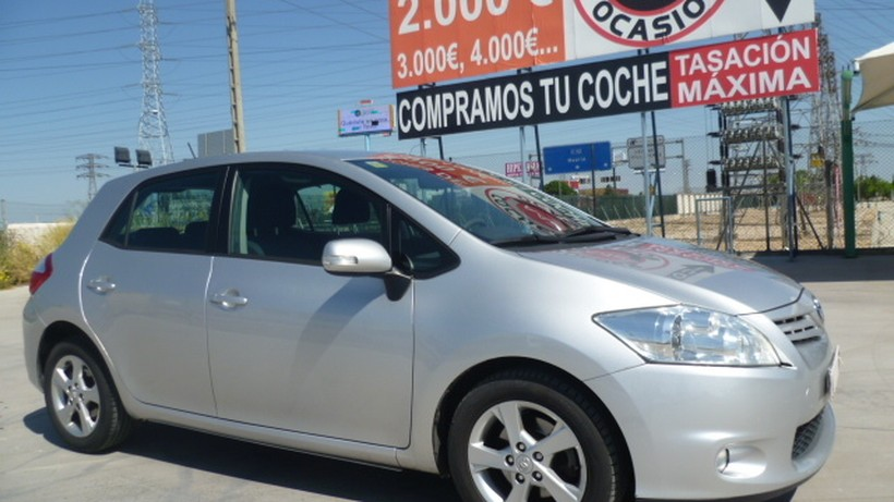 TOYOTA Auris 2.0 D-4D DPF Advance