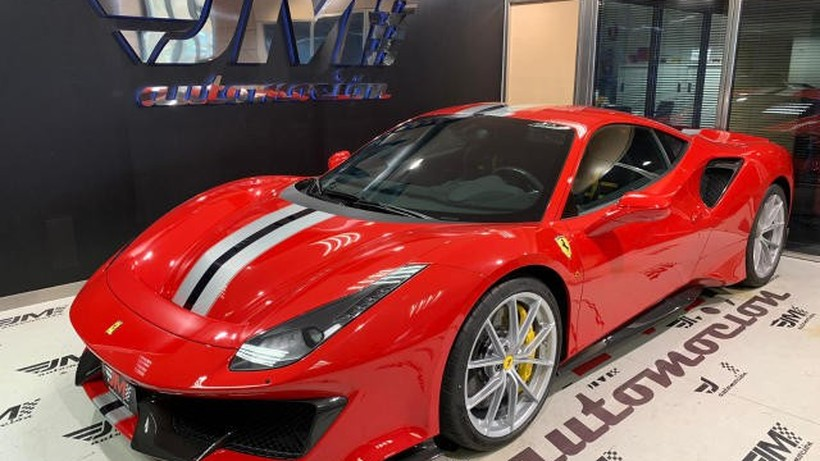 FERRARI 488  Pista     IVA DEDUCIBLE!!!