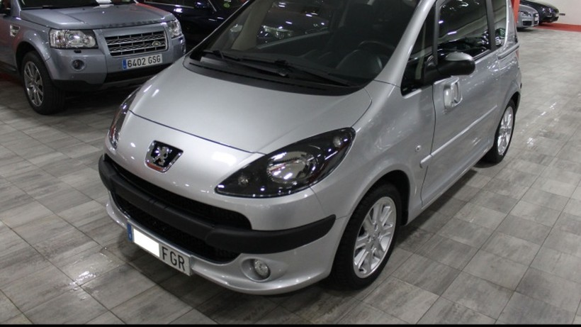 PEUGEOT 1007 1.4HDI Sporty