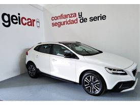 VOLVO V40 Cross Country D2 Momentum Aut.