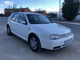 VOLKSWAGEN Golf 1.9TDI Highline 110