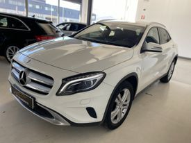 MERCEDES-BENZ Clase GLA 200CDI AMG Line 7G-DCT