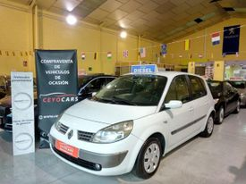 RENAULT Scénic II 1.5DCI Confort Authentique