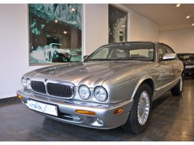 JAGUAR XJ XJ8 4.0 Executive