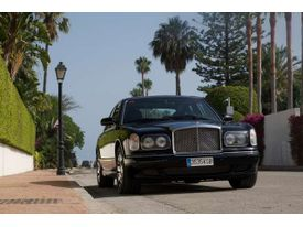 BENTLEY Arnage  Red Label - Piano Black Wood, Full Service History