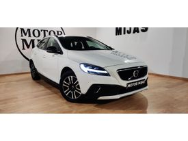 VOLVO V40 Cross Country D2 Momentum Aut. 120
