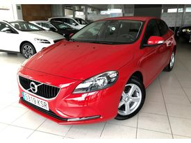 VOLVO V40  2.0 T2 Base Manual