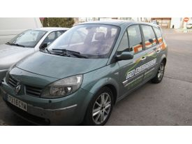 RENAULT Scénic Grand 1.9dCi Confort Authentique