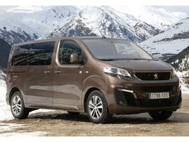 PEUGEOT Traveller M1 1.5BlueHDI Business Long 120