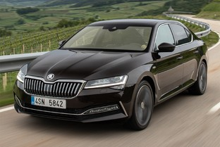 SKODA Superb Combi 2.0TDI Ambition DSG 90kW