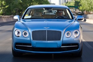 BENTLEY Flying Spur V8